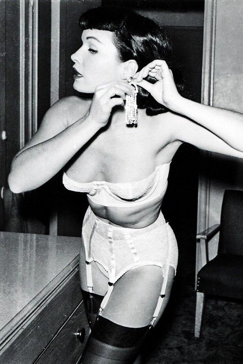 Bettie Page 108