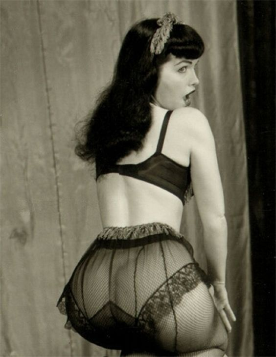 Bettie Page 132