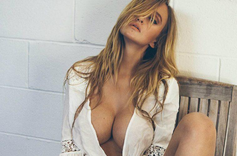 Alyssa Barbara hot