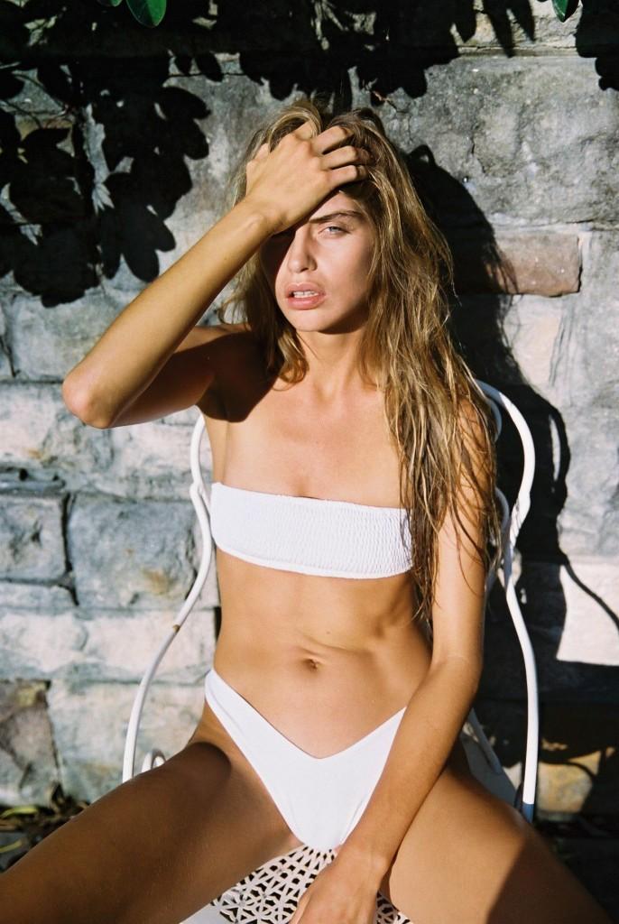 Avril Alexander 10