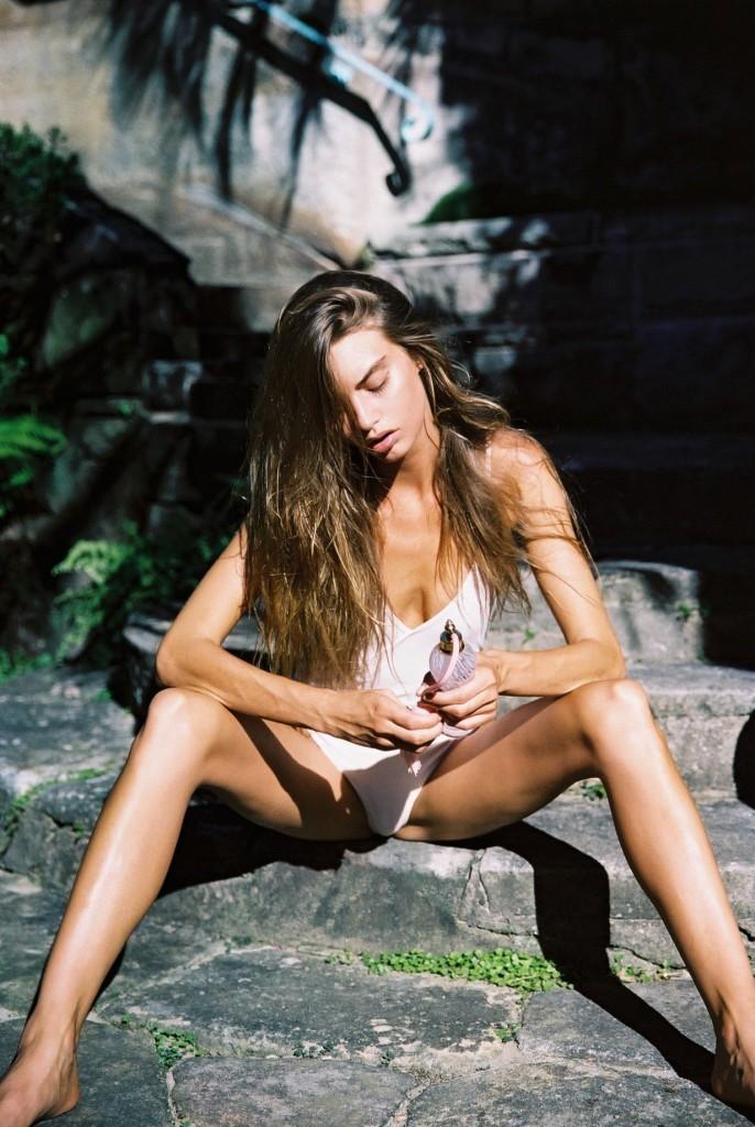 Avril Alexander 5
