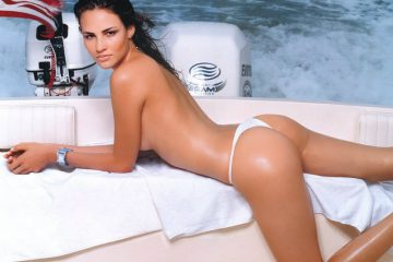 Fernanda Tavares sexy topless