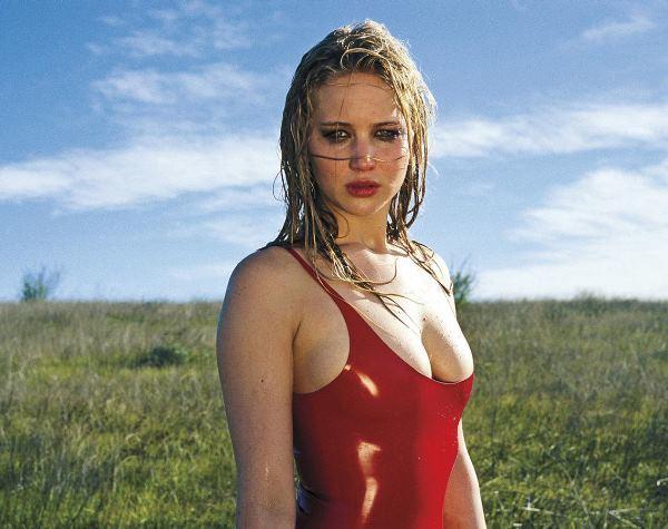 Jennifer Lawrence sexy hot bikini