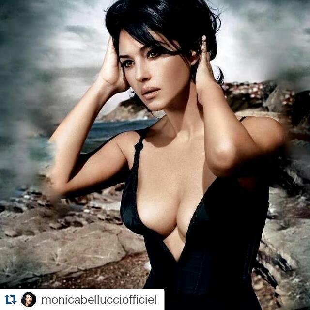 Monica Bellucci 30