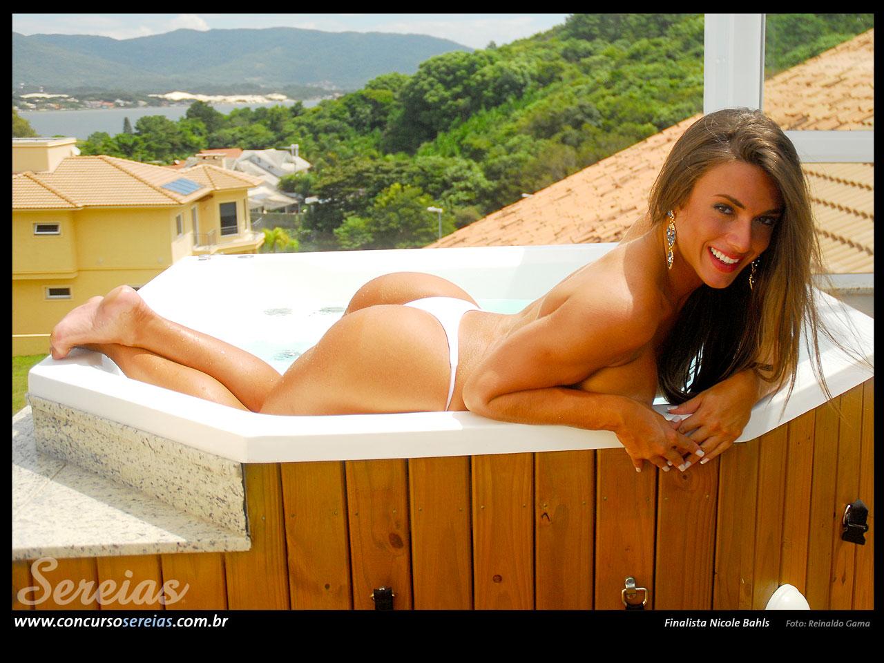 Nicole Bahls 109