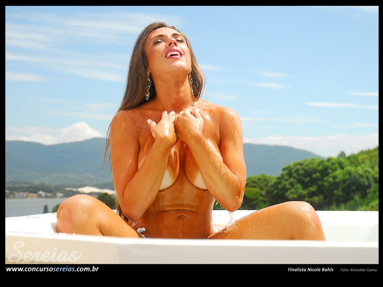 Nicole Bahls 115
