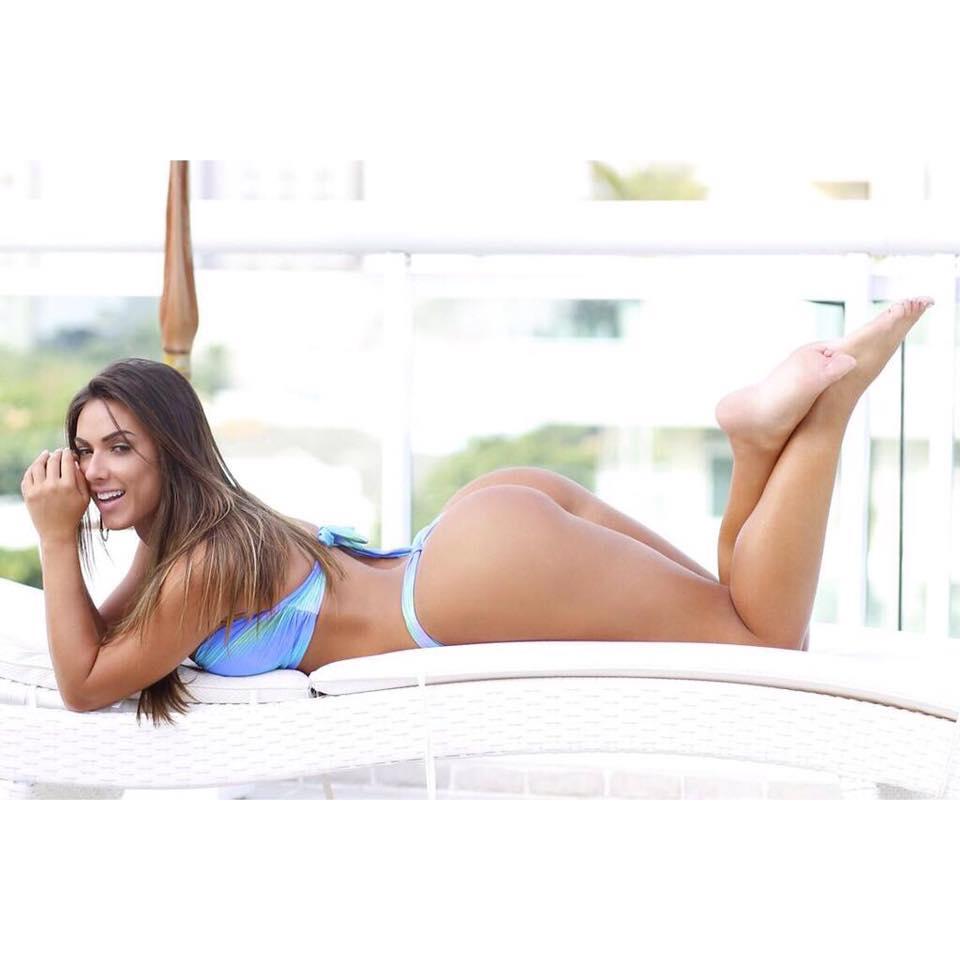 Nicole Bahls 15