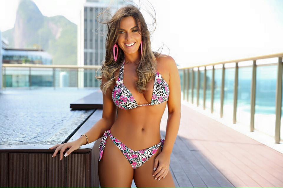 Nicole Bahls 20