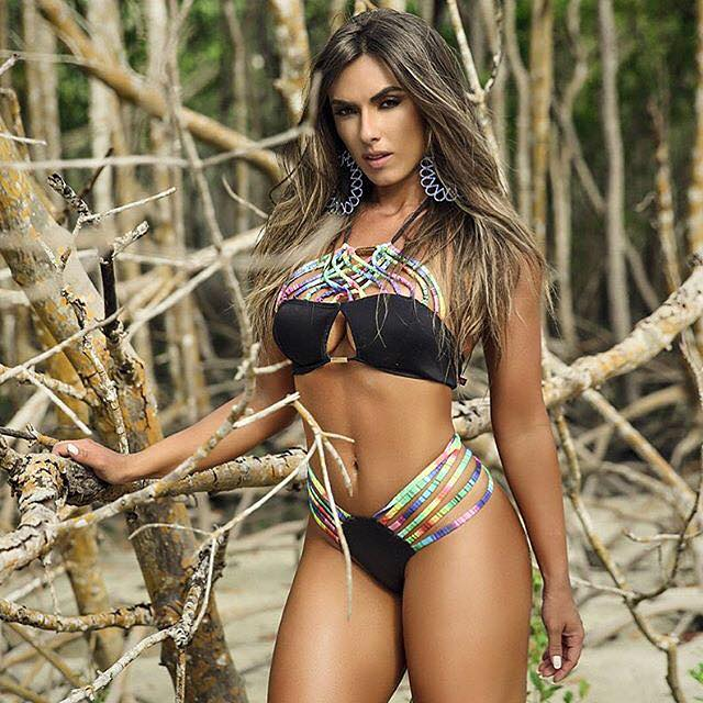 Nicole Bahls 4