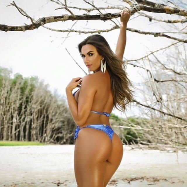Nicole Bahls 5