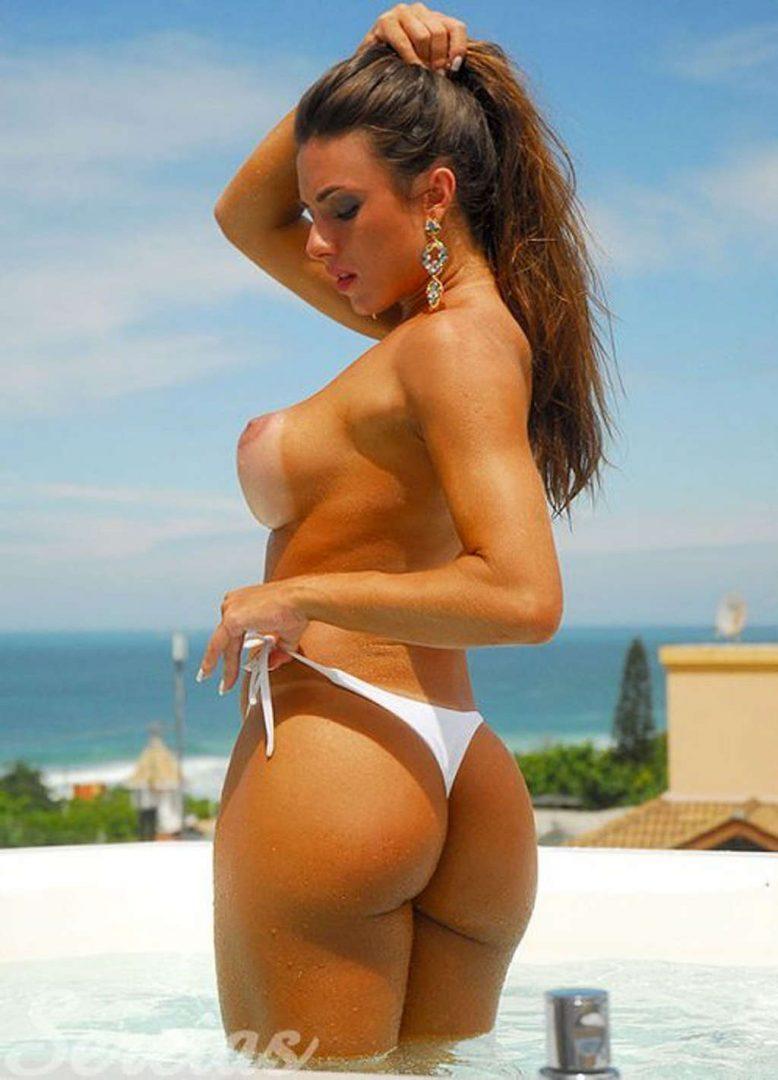 Nicole Bahls 61