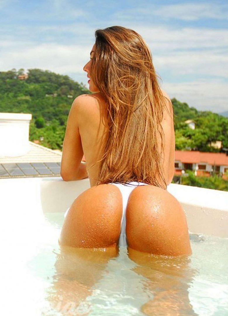 Nicole Bahls 64