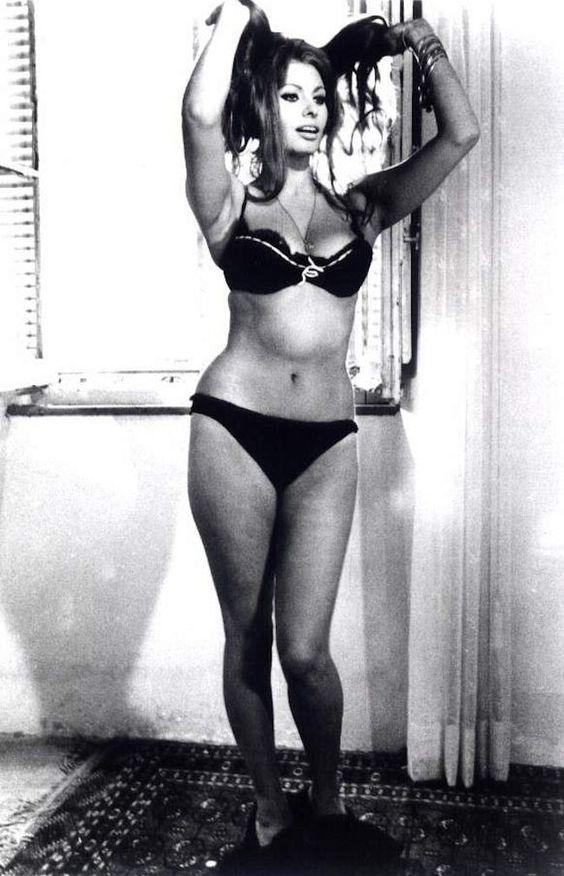 Sexy Sophia Loren 1
