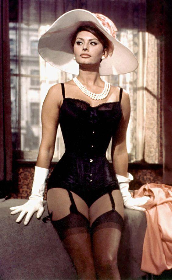 Sexy Sophia Loren 10