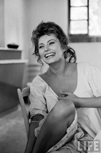 Sexy Sophia Loren 16