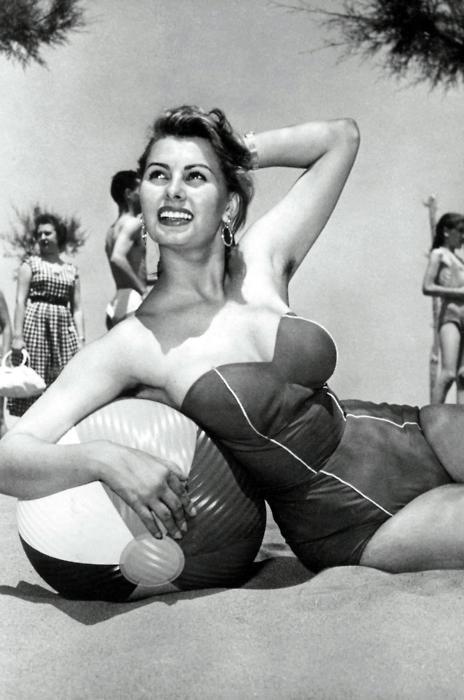 Sexy Sophia Loren 19