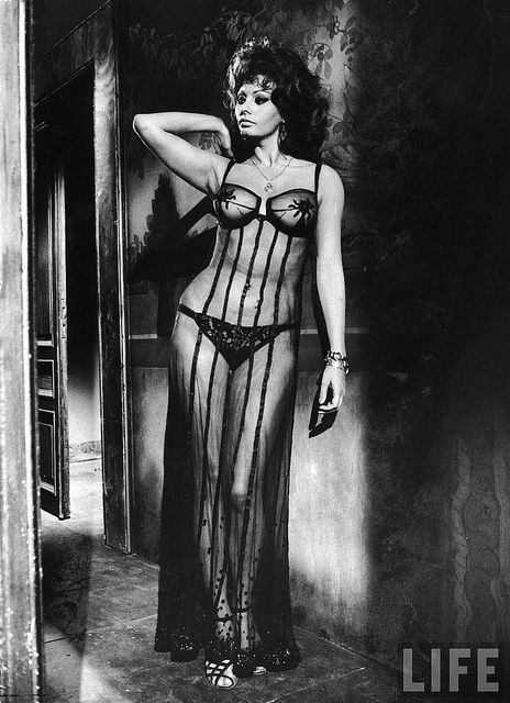 Sexy Sophia Loren 21