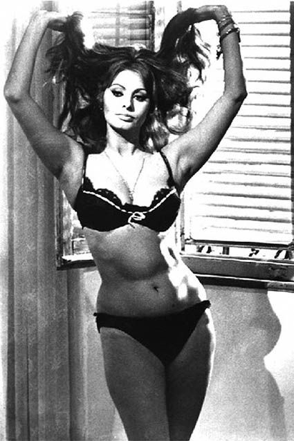Sexy Sophia Loren 24