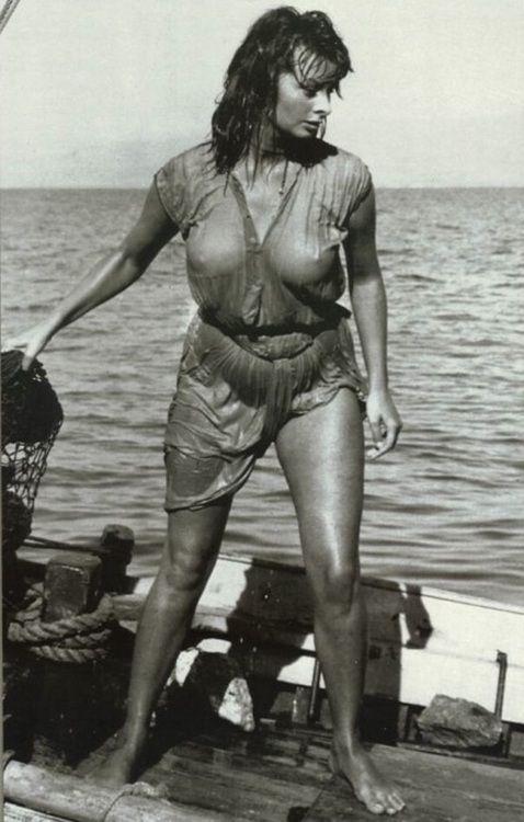 Sexy Sophia Loren 27