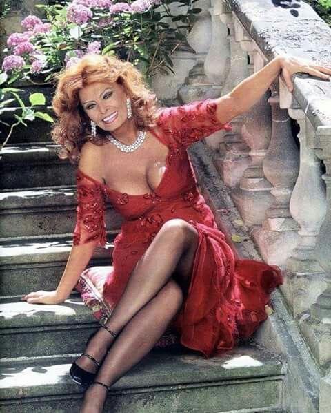 Sexy Sophia Loren 31