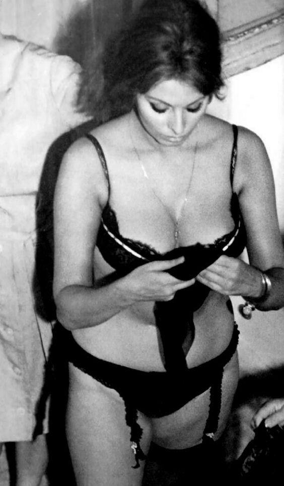 Sexy Sophia Loren 43