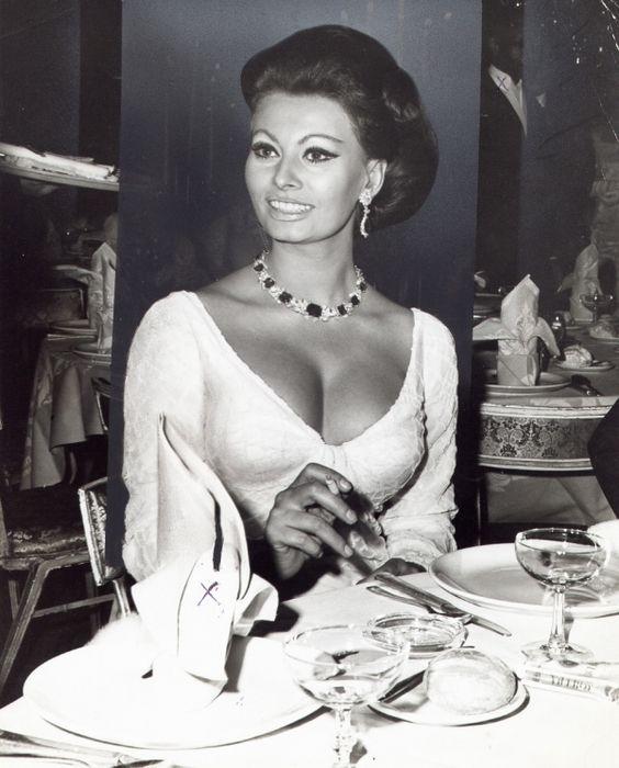 Sexy Sophia Loren 44