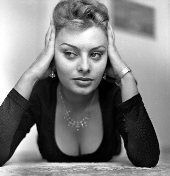 Sexy Sophia Loren 80