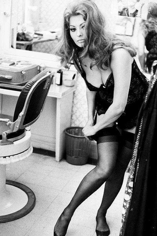 Sexy Sophia Loren 91