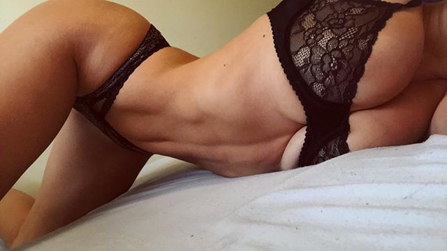 Stefanie Knight 25
