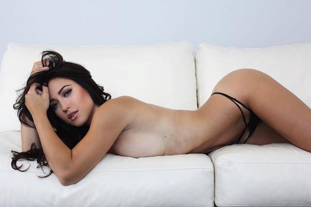 Stefanie Knight 44