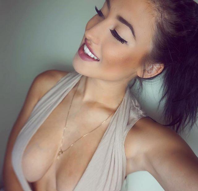Stefanie Knight 54