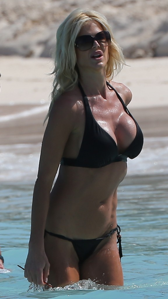 Victoria Silvstedt 17