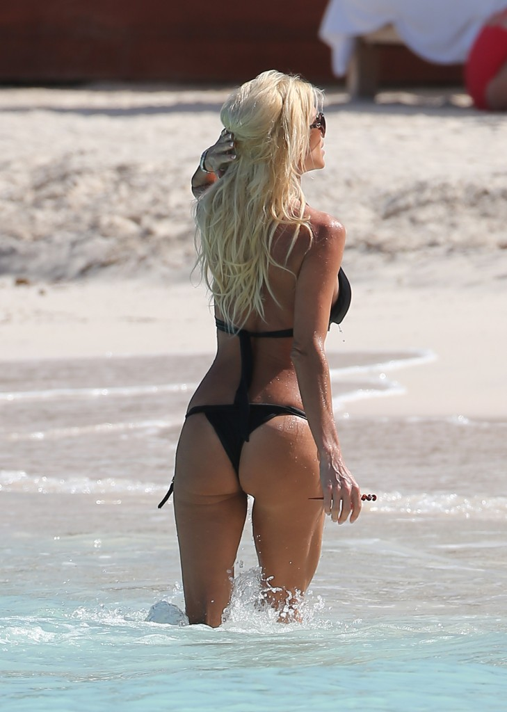 Victoria Silvstedt 19