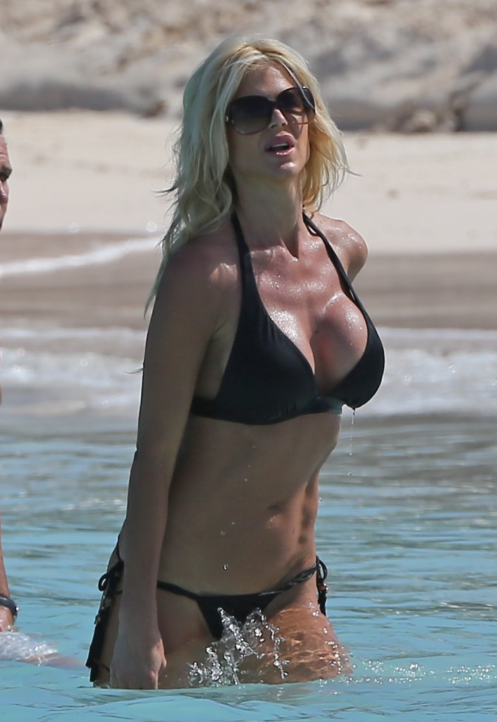 Victoria Silvstedt 26