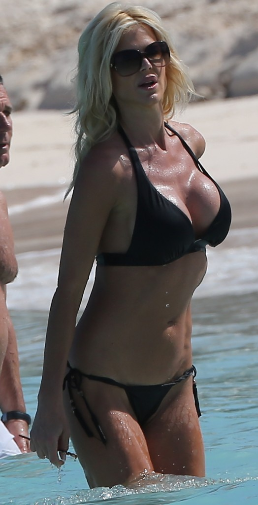 Victoria Silvstedt 27