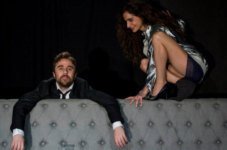 «Ring» στην ανανεωμένη σκηνή του «Ιλίσια Βολανάκης»: Μια παράσταση που δεν πρέπει να χάσετε!