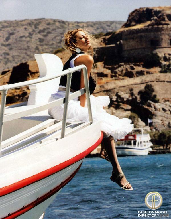tzoulia alexandratou old photo 11
