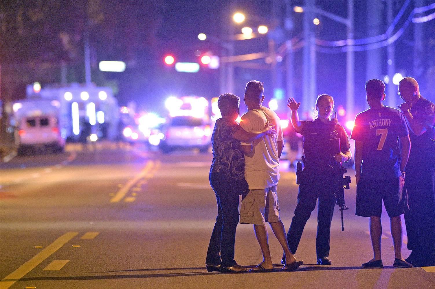 160612-orlando-nightclub-shootings-mn-0800_133a44c21926a9e9d50d0b1138e40586.nbcnews-ux-2880-1000
