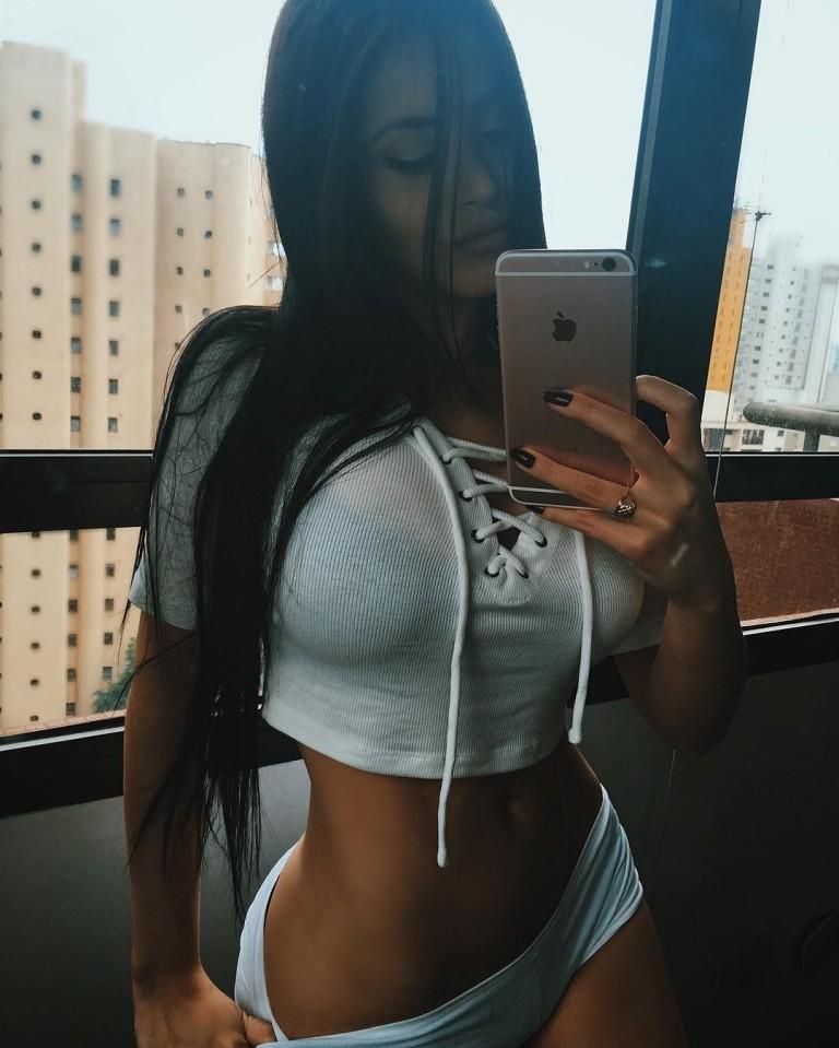 Claudia Alende 44