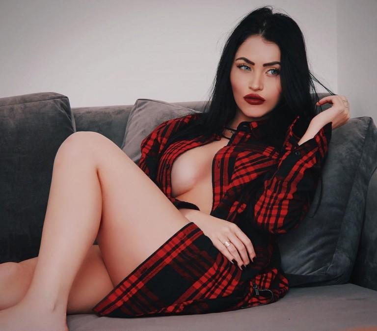 Claudia Alende 45