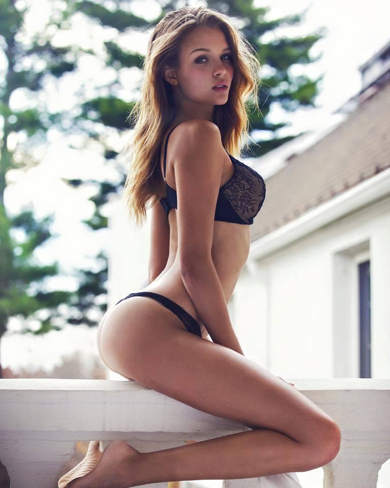 Josephine Skriver 37