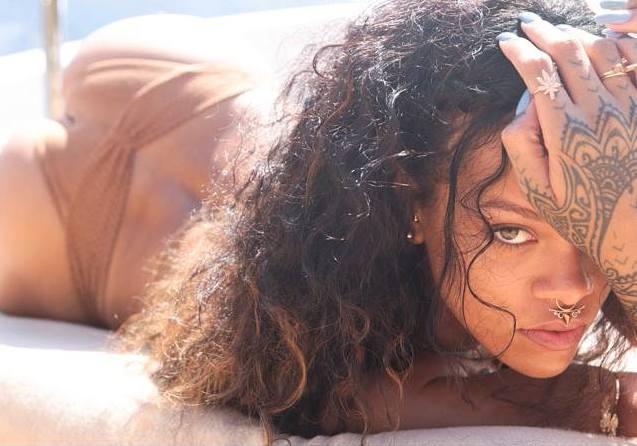 Rihanna 38