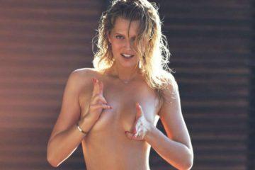 Toni Garrn elle hot body elle bikini