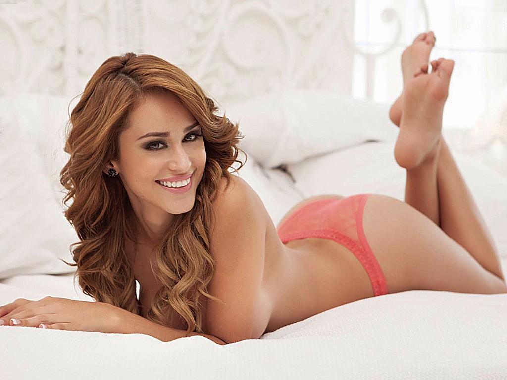Yanet Garcia 42