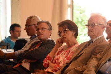 Η αίθουσα με τους παρευρισκόμενους που παρακολουθούν ομιλία κατά τη διάρκεια των εργασιών του 1ου Πανελλήνιου Συνεδρίου Δημοτικών ΜΜΕ που διεξάγεται με πρωτοβουλία του δημοτικού ραδιοφώνου Τρίπολης, στο Αποστολοπούλειο Πνευματικό Κέντρο Τρίπολης, Σάββατο 2 Ιουλίου 2016. Στις εργασίες του συνεδρίου συμμετέχουν εκπρόσωποι από τα περισσότερα δημοτικά ραδιόφωνα και τηλεοράσεις που λειτουργούν σε όλη την χώρα. ΑΠΕ ΜΠΕ/ΑΠΕ ΜΠΕ/STR