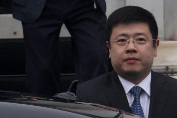 Ο πρέσβης της Κίνας Zou Xiaoli βγαίνει από το Μέγαρο Μαξίμου, ύστερα από την συνάντηση που είχε με τον πρωθυπουργό Αλέξη Τσίπρα, Τρίτη 27 Ιανουαρίου 2015. ΑΠΕ-ΜΠΕ/ΑΠΕ-ΜΠΕ/ΑΛΕΞΑΝΔΡΟΣ ΒΛΑΧΟΣ