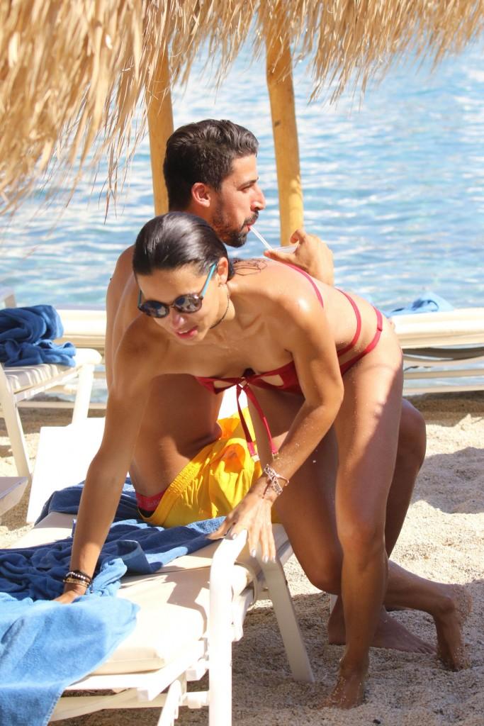 Adriana Lima bikini mykonos 2016 17