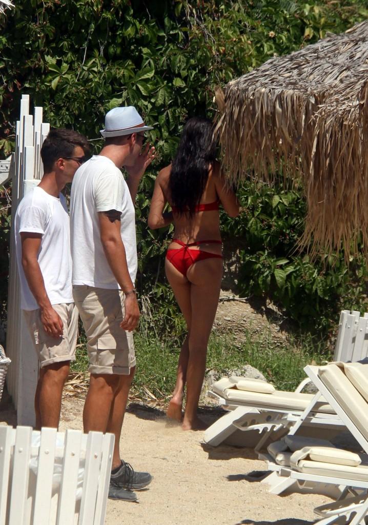 Adriana Lima bikini mykonos 2016 7