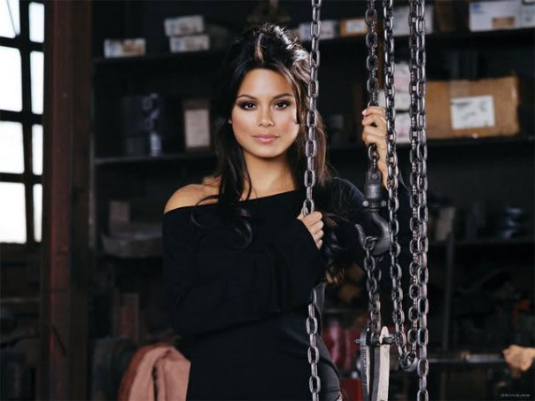 Nathalie Kelley 13