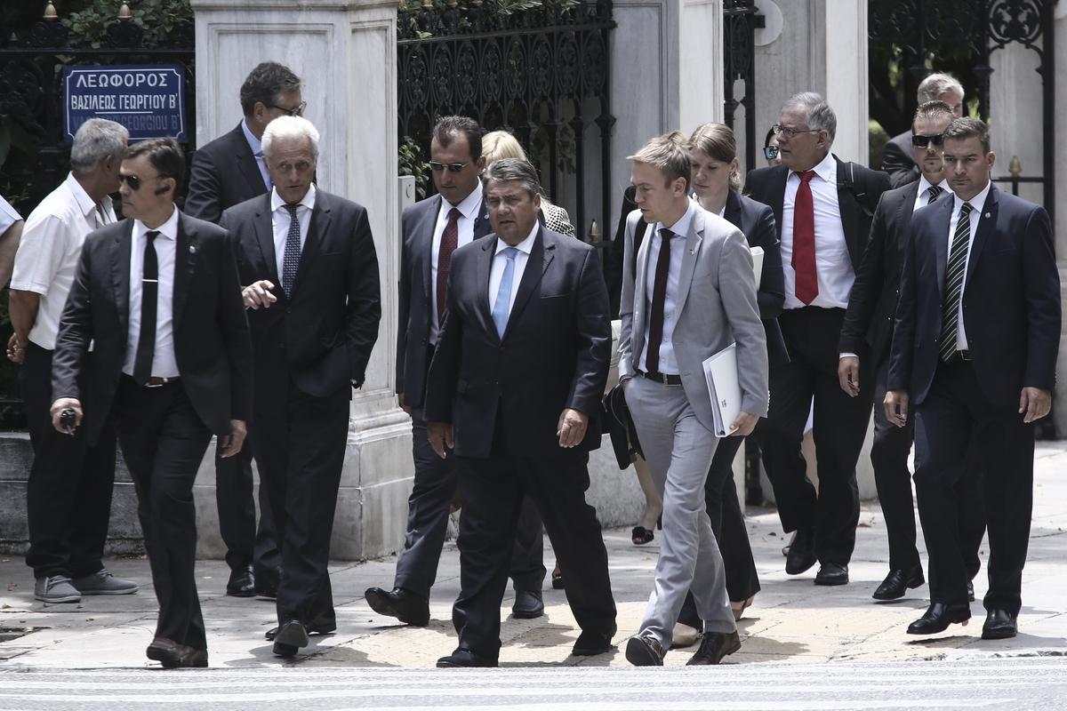 Meeting of the Prime Minister of Greece Alexis Tsipras with the German Vice Chancellor and Federal Minister for Economic Affairs and Energy, Sigmar Gabriel, in Athens, on June 30, 2016 / Συνάντηση του Πρωθυπουργού Αλέξη Τσίπρα με τονμε τον Αντικαγκελάριο και Υπουργό Οικονομίας και Ενέργειας της Ομοσπονδιακής Δημοκρατίας της Γερμανίας, Sigmar Gabriel, στην Αθήνα, στις 30 Ιουνίου, 2016